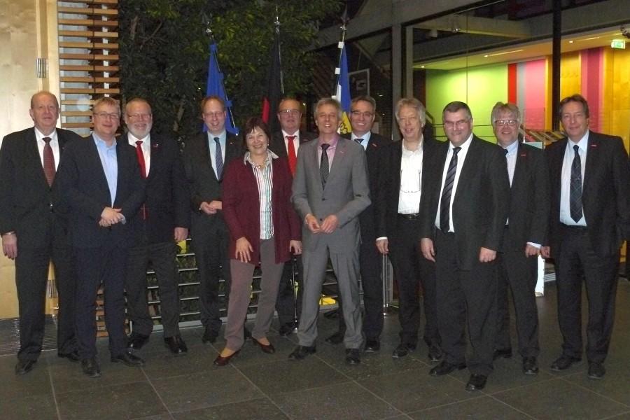 Gruppenbild der SPD-Bundestagsabgeordneten aus Schleswig-Holstein mit den Handwerksvertretern